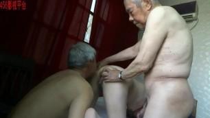 Amatuer Asian Mature Threesome